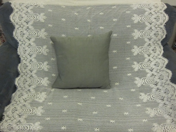 Quick Craft -- Lace Curtains to Pillowcase