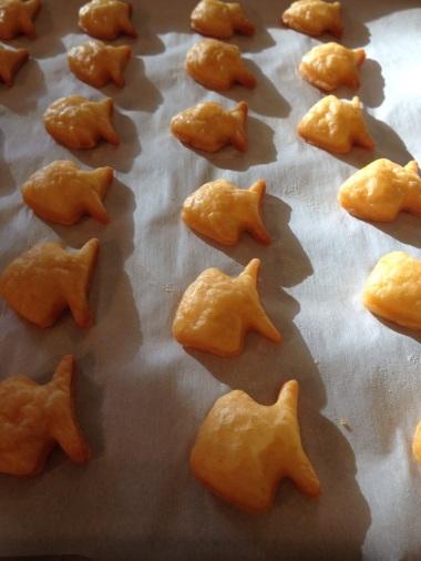 Homemade goldfish crackers | recipe from Alaska Knit Nat