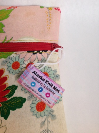 DIY mini hang tags | Give your products a professional finish with affordable homemade hang tags. Tutorial from Alaska Knit Nat