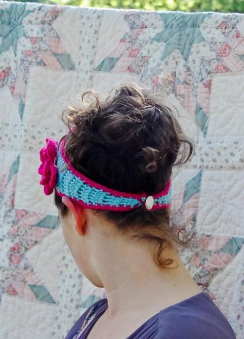 Tapered flower headband | A free crochet pattern from Alaska Knit Nat