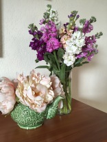 8 Simple Steps to Long-lasting Grocery Store Flowers   from Alaska Knit Nat