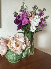 8 Simple Steps to Long-lasting Grocery Store Flowers | from Alaska Knit Nat