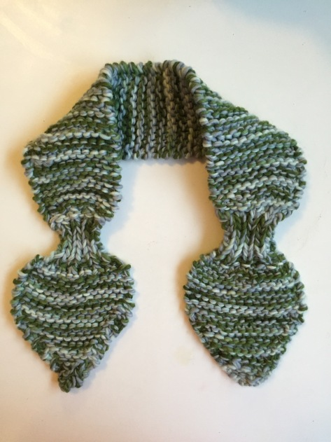 The Aspen Ascot | A free pattern from Alaska Knit Nat. Perfect afternoon project!