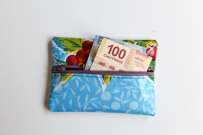 Oilcloth Coin Purse — A free tutorial
