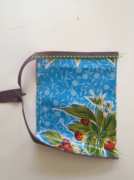 Oilcloth Coin Purse | An easy tutorial from Alaskaknitnat.com