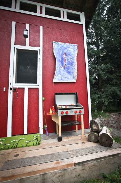 Tiny Anchorage Living: a backyard dream house