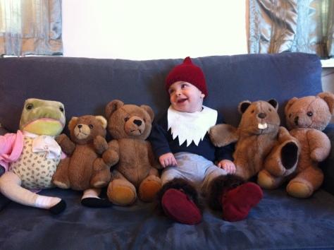 Super quick baby gnome costume | a DIY Halloween craft from alaskaknitnat.com.