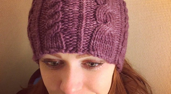 The Mermaid Hat | this gorgeous cable hat knits up in no time on size US 10 needles. Free pattern available at http://s6girl.blogspot.co.uk.
