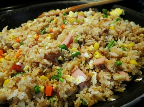 30-minute fried rice | this simple, flavorful dish can be made in no time with a little prep work the night before. Recipe from Alaskaknitnat.com