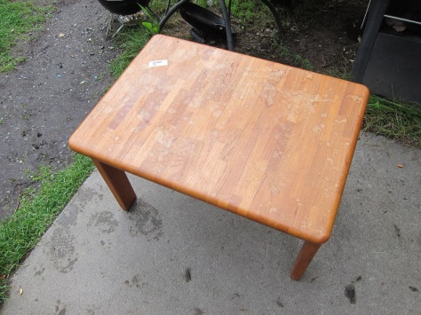 Furniture Facelift | How to refinish a thrift store table from alaskaknitnat.com