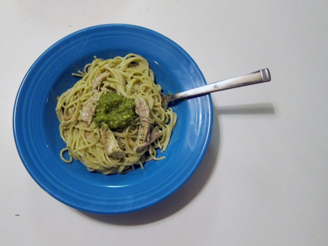 Quick dinner: creamy pesto with chicken