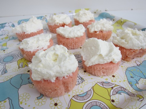 Sparkling sake cupcakes | delightfully airy and semisweet | recipe from Alaskaknitnat.com