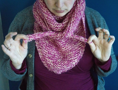 Sherbet Triangle Scarf | a simple knitting pattern from Alaskaknitnat.com
