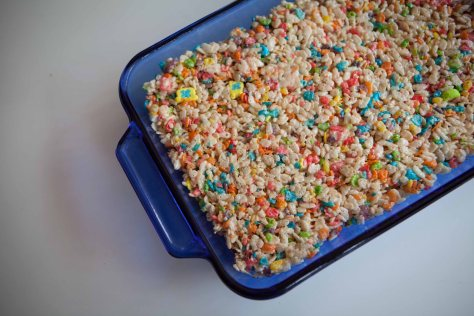 Unicorn Treats | a delightful spin on the traditional Rice Krispies treat from alaskaknitnat.com