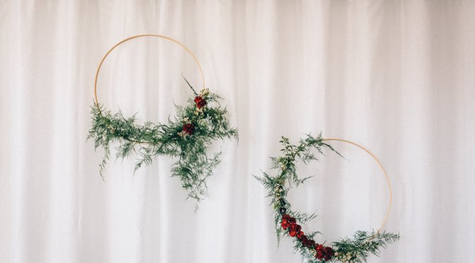 DIY Hoop Wreath | a simple tutorial