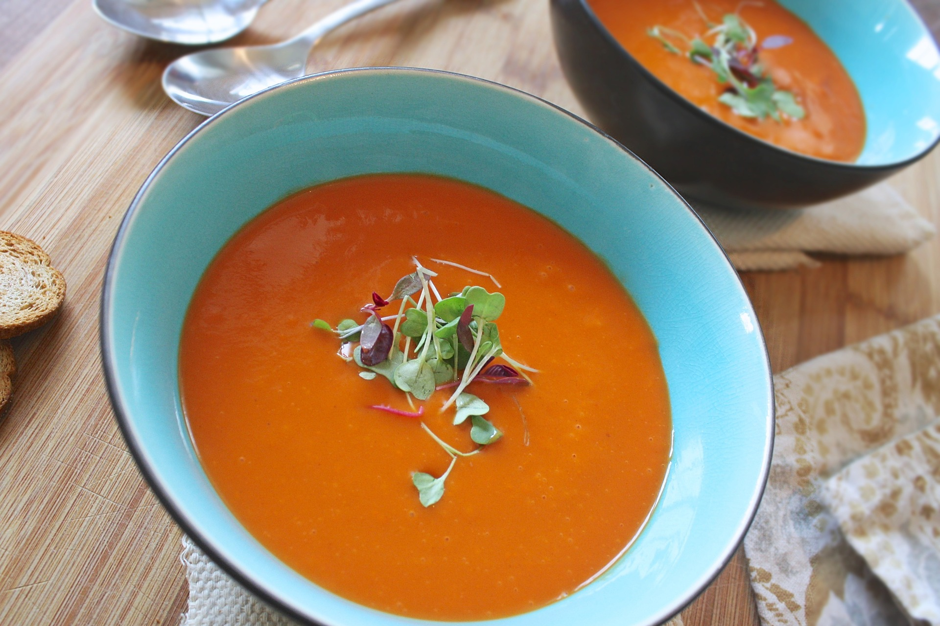 Creamy tomato and red pepper soup | A recipe from Alaskaknitnat.com