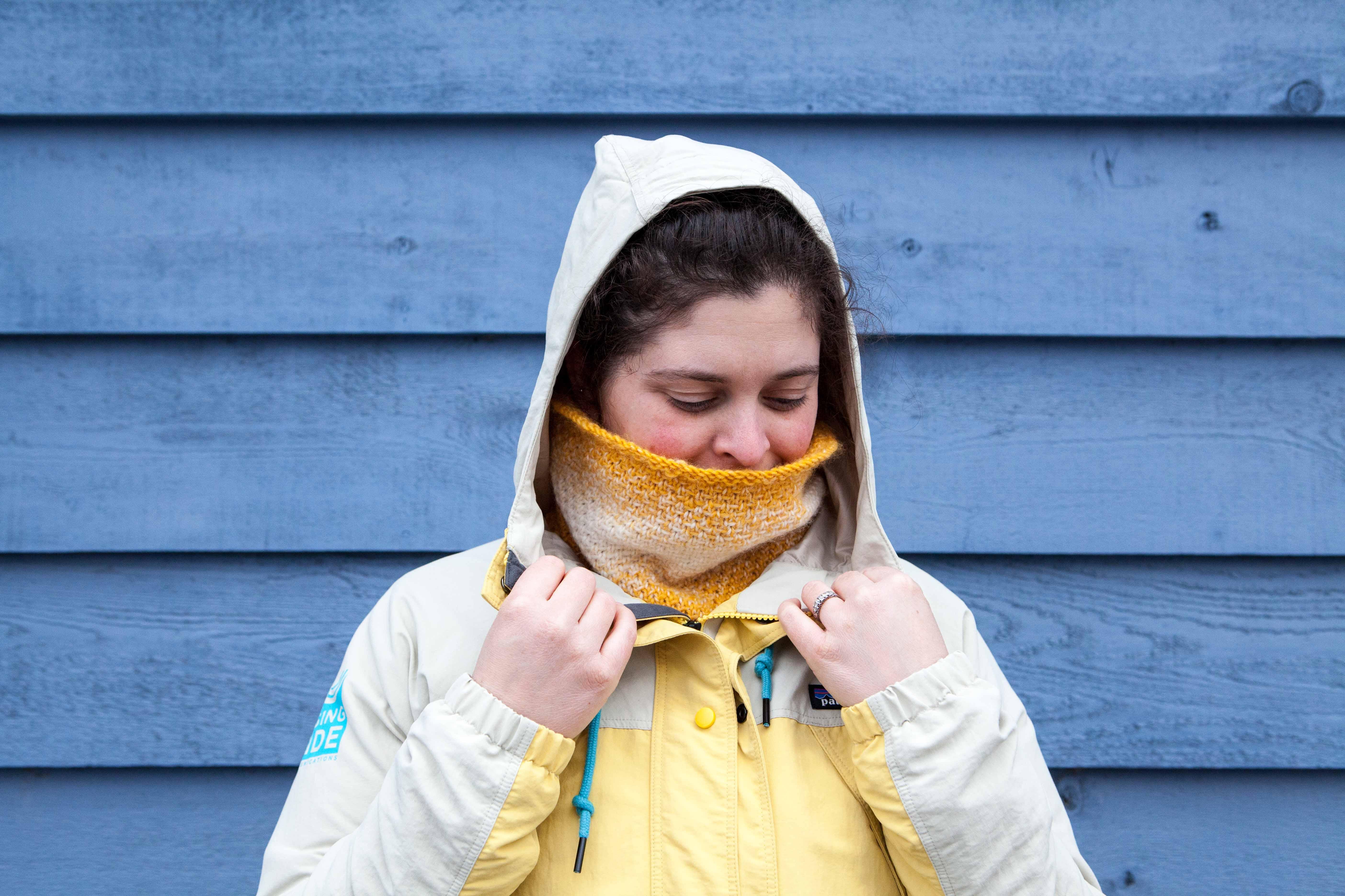 Sunny Side Up Cowl - A Free Pattern from Alaskaknitnat.com