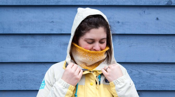Sunny Side Up Cowl – A Free Knitting Pattern